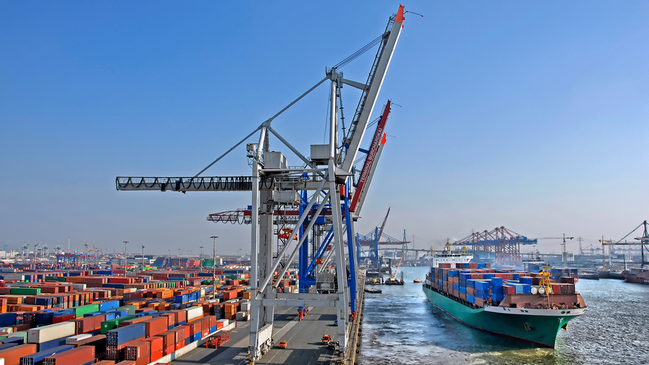 Container Terminal – Hamburg (refer to: Export Control)